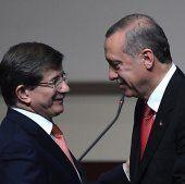 Erdogan: Davutoglu zum neuen AKP-Chef gewählt