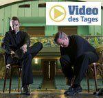 Tanzende Priester in Rom als Internet-Hit