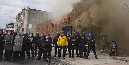 Ausschreitungen in Baltimore - Altersheim geht in Flammen auf