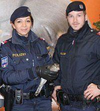 Wiener Polizisten fanden verletzten Vogel in U3