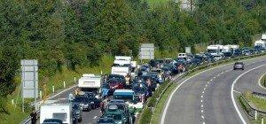 Unfall bei Baden: Über fünf Kilometer langer Stau auf A2 in Richtung Wien