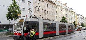 Unfall: Pkw kollidierte in Wien-Meidling mit Straßenbahn der Linie 62