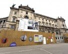 Weltmuseum Wien: 150 Meter Bauzaun am Heldenplatz und neue Paten