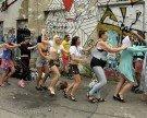 """""""Schwimmen, wie es uns gefällt"""": Burkini-Flashmob am Wiener Donaukanal"""