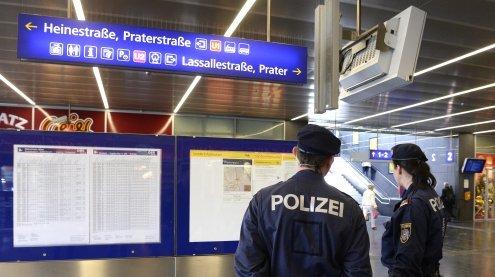 Polizei-Schwerpunktaktion am Praterstern: Vier Dealer verhaftet