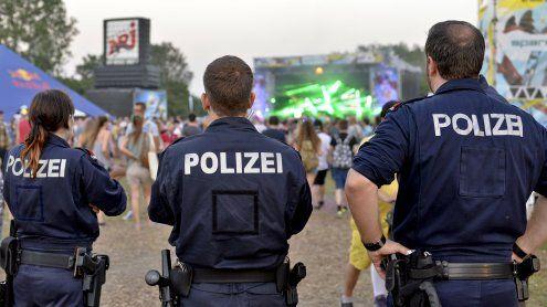 Angeblicher Waffenfund vor DIF: Polizei dementiert Gerüchte