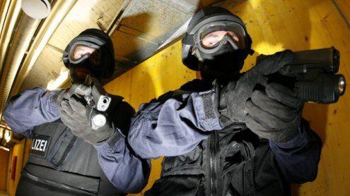 WEGA-Einsatz im 15. Bezirk: Mann bedroht seine Ehefrau mit Waffe