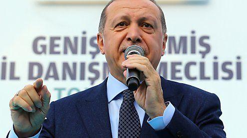 Deutsche Politiker fordern Strafmaßnahmen gegen Erdogan