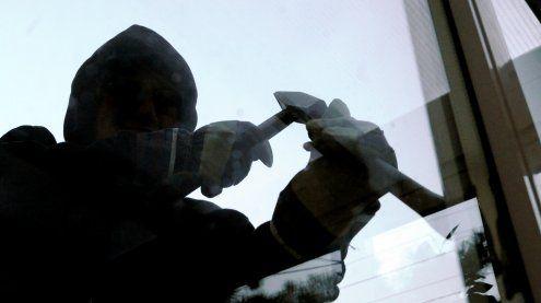 Einbrecher suchten Geschäfte und ein Lokal in Baden heim