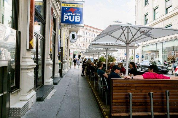 Crossfield's Australian Pub in Wien feiert 20-jähriges Jubiläum: Neue Speisekarte