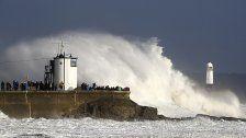 "Ex-Hurrikan ""Ophelia"" zieht nach Schottland"
