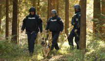 Stiwoll: Leichensuchhunde streifen durch die Wälder
