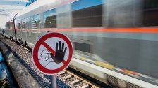 Zug musste auf offener Strecke evakuiert werden