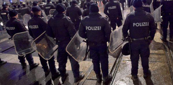 Sechs Demonstrationen gegen Koalition legen Montagfrüh die Innenstadt lahm