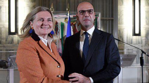 Doppelpass-Pläne für Südtiroler: Keine Kritik an Kneissl aus Italien