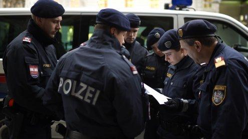 Meidling: Mit Pistolen bewaffnet Fast-Food-Restaurant überfallen