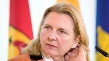 Kneissl muss in Bosnien die Wogen glätten