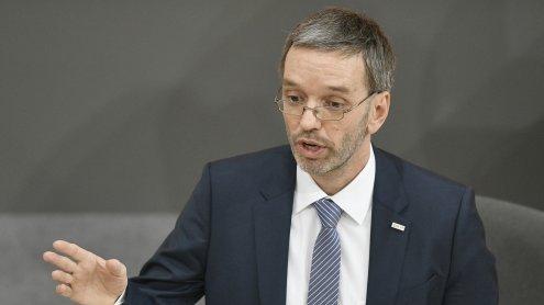 LIVE: Innenminister Herbert Kickl nimmt zur BVT-Causa Stellung