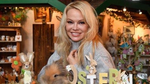 Baywatch-Star Pamela Anderson besuchte Gut Aiderbichl und Wien