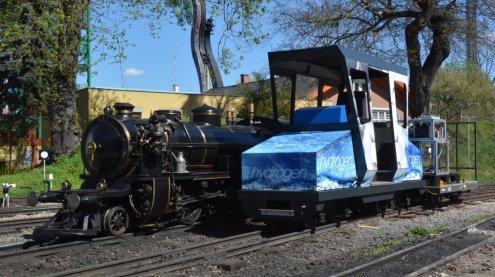 """Wasserstoff-Lok """"HydroLilly"""" auf Testfahrt im Wiener Prater"""