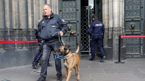 Kölner Dom Freitagfrüh wegen Bombenverdachts evakuiert