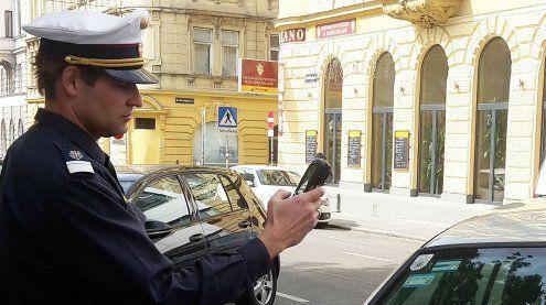 Schlafender beim Westbahnhof bestohlen: Parksheriff schritt ein